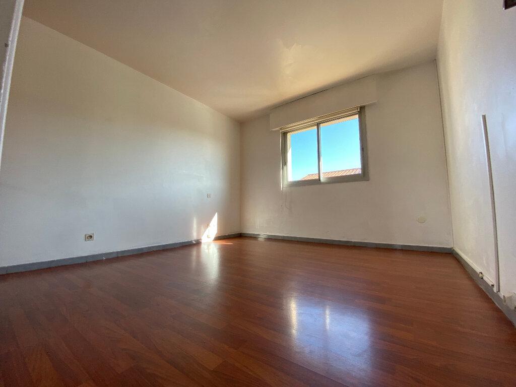 Appartement à vendre 4 113m2 à Perpignan vignette-10