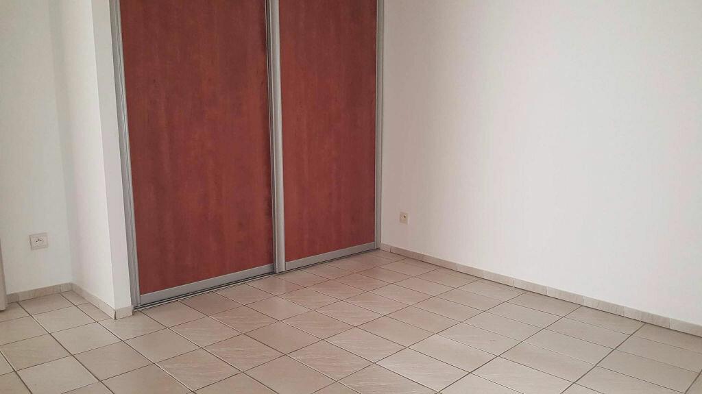 Appartement à louer 4 100m2 à Palau-del-Vidre vignette-5