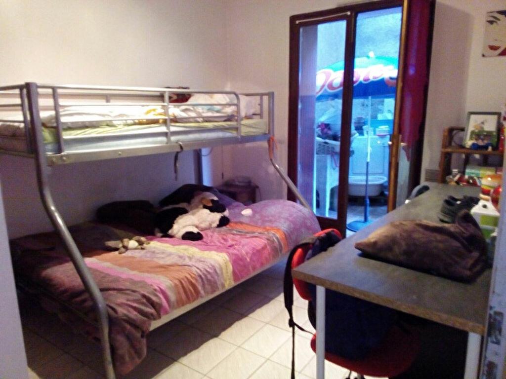 Appartement à louer 4 100m2 à Palau-del-Vidre vignette-7