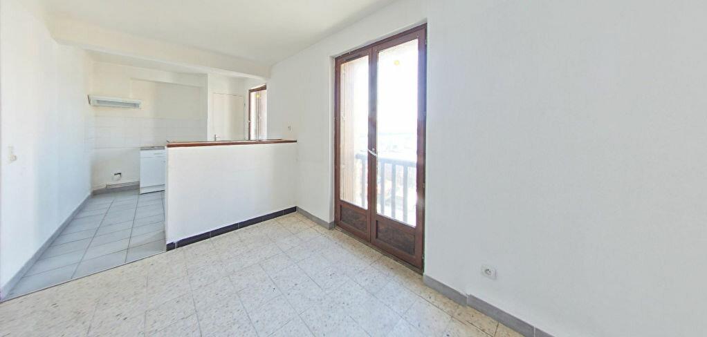 Appartement à louer 3 55m2 à Sainte-Marie vignette-1