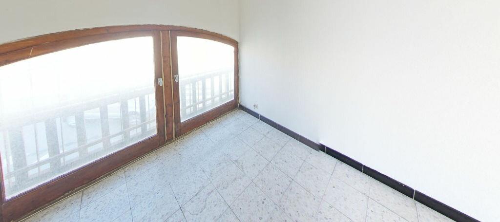 Appartement à louer 3 55m2 à Sainte-Marie vignette-4