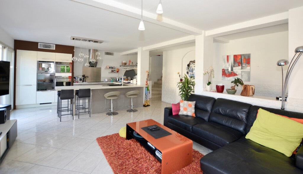 Maison à vendre 5 108m2 à Perpignan vignette-1