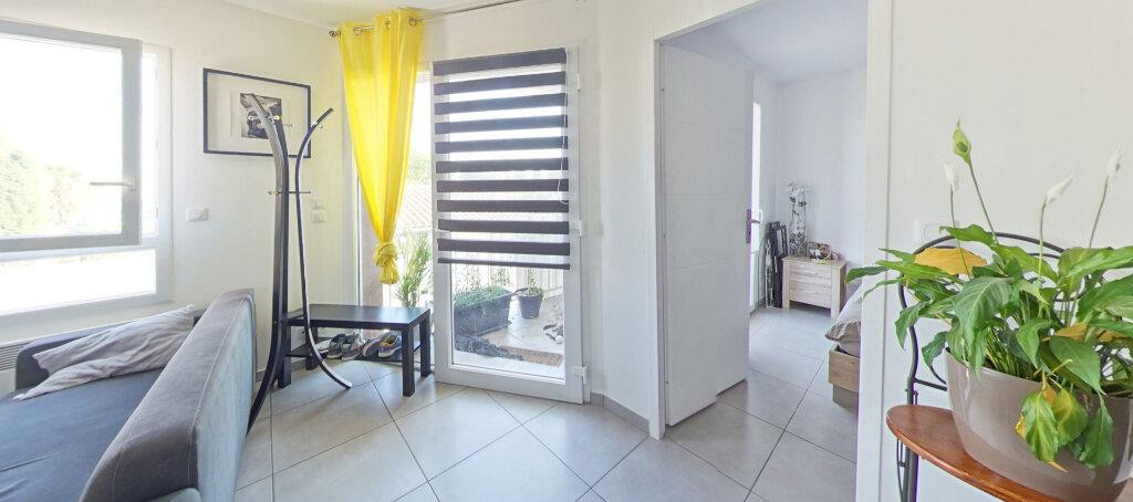 Appartement à louer 3 50m2 à Le Soler vignette-2
