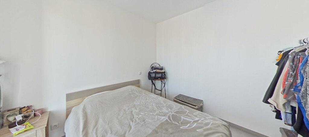 Appartement à louer 3 50m2 à Le Soler vignette-4