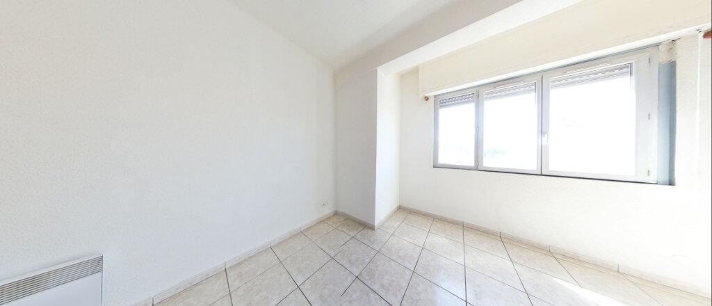 Appartement à louer 3 73m2 à Perpignan vignette-1