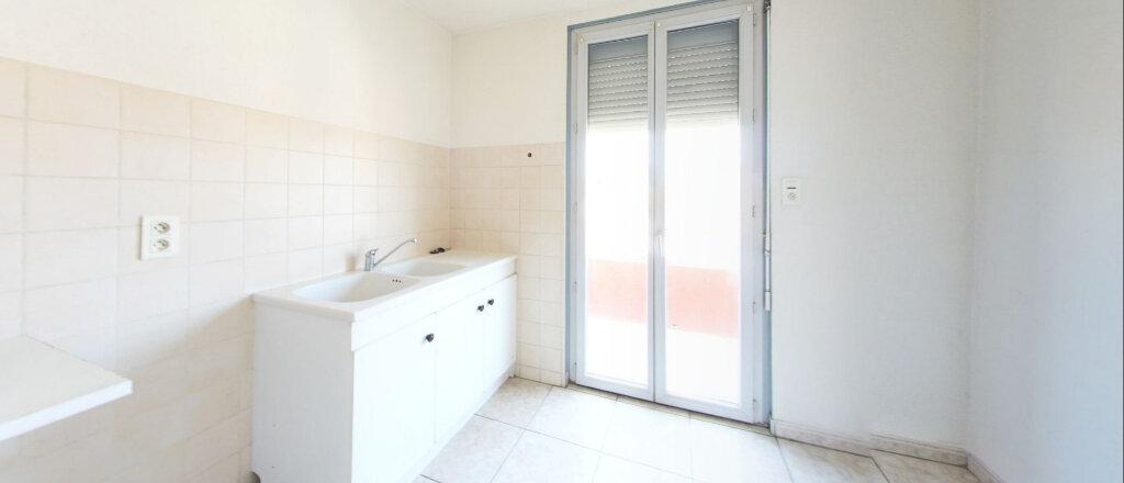 Appartement à louer 3 73m2 à Perpignan vignette-3