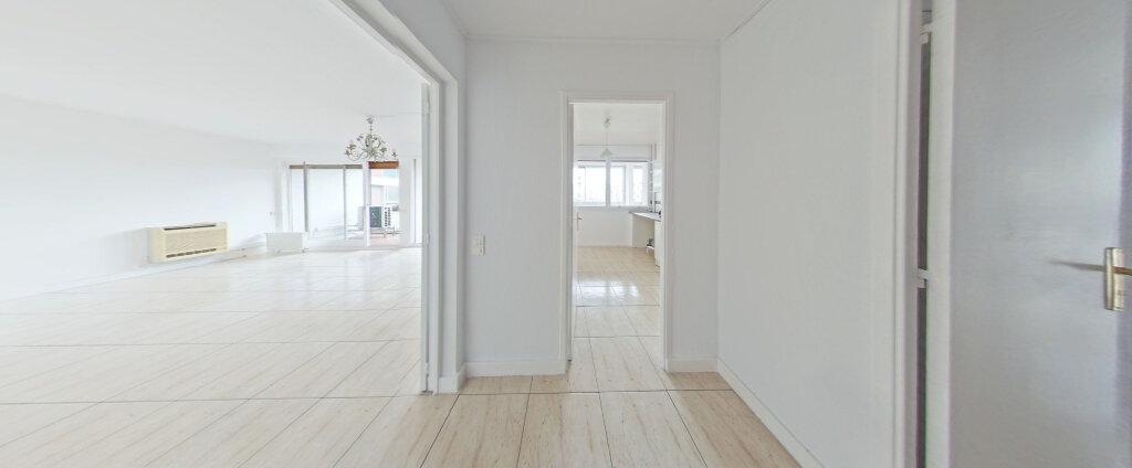 Appartement à louer 4 103m2 à Perpignan vignette-1