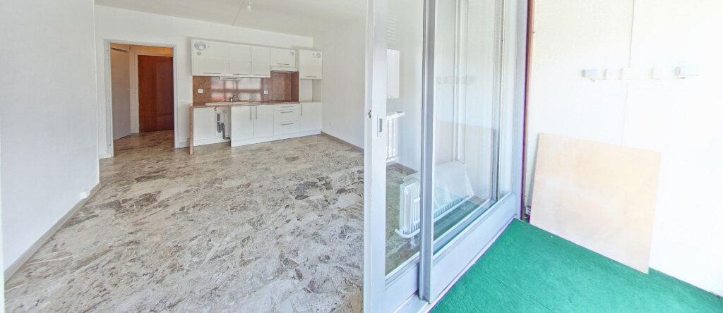 Appartement à louer 2 38.08m2 à Perpignan vignette-1