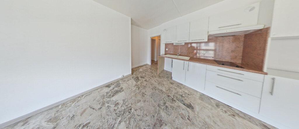 Appartement à louer 2 38.08m2 à Perpignan vignette-3