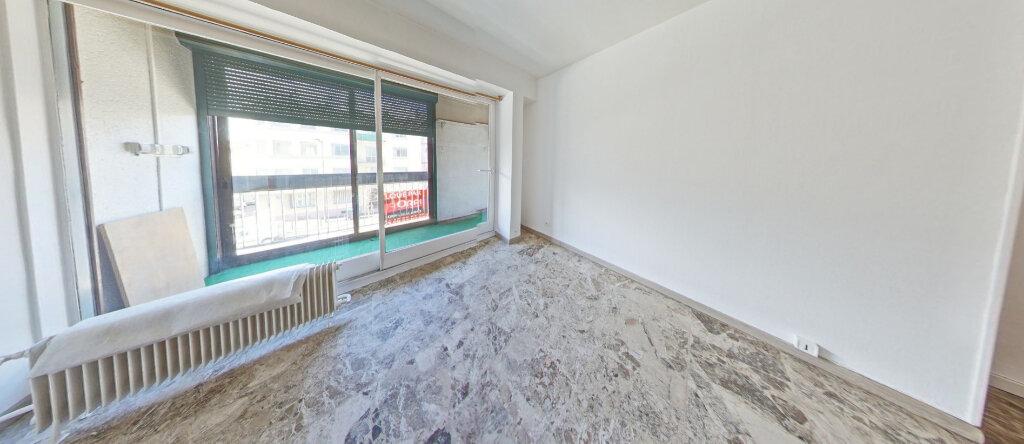 Appartement à louer 2 38.08m2 à Perpignan vignette-4