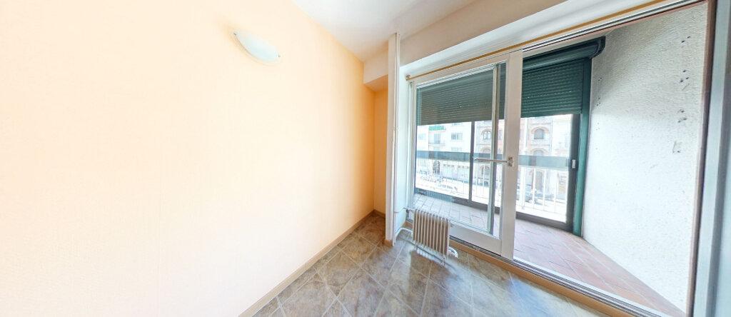 Appartement à louer 2 38.08m2 à Perpignan vignette-6