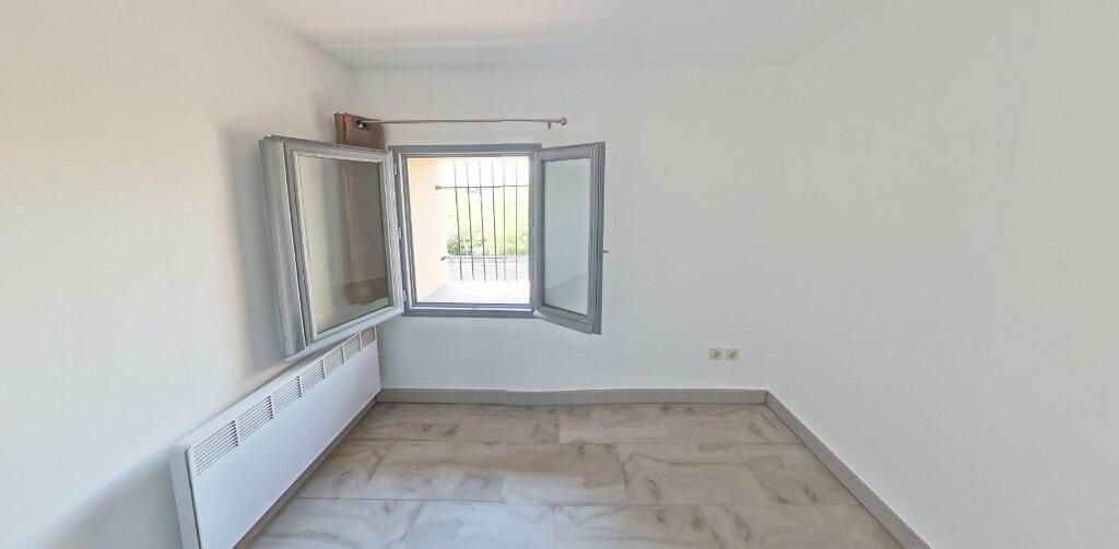 Maison à louer 4 66m2 à Néfiach vignette-4