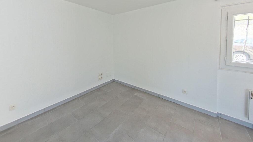 Maison à louer 4 66m2 à Néfiach vignette-6