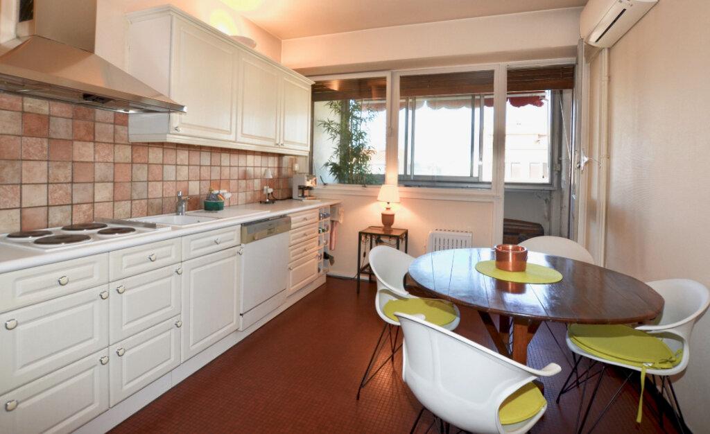 Appartement à vendre 3 105m2 à Perpignan vignette-3