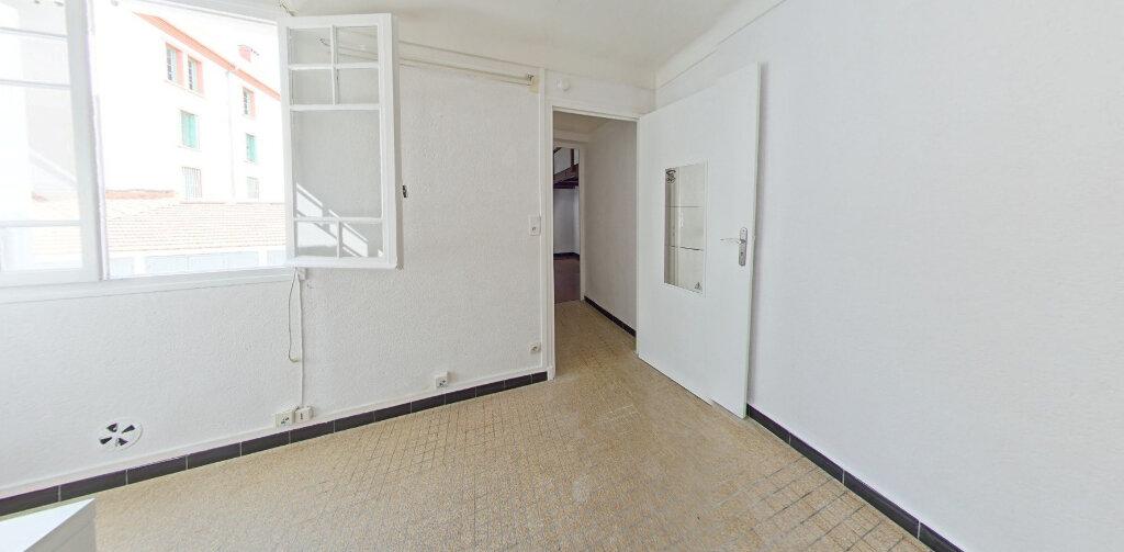 Appartement à louer 2 30m2 à Perpignan vignette-1