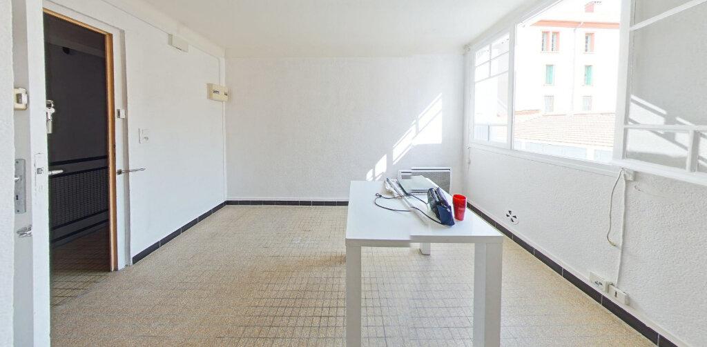 Appartement à louer 2 30m2 à Perpignan vignette-2