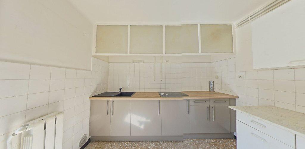 Appartement à louer 3 70m2 à Perpignan vignette-1