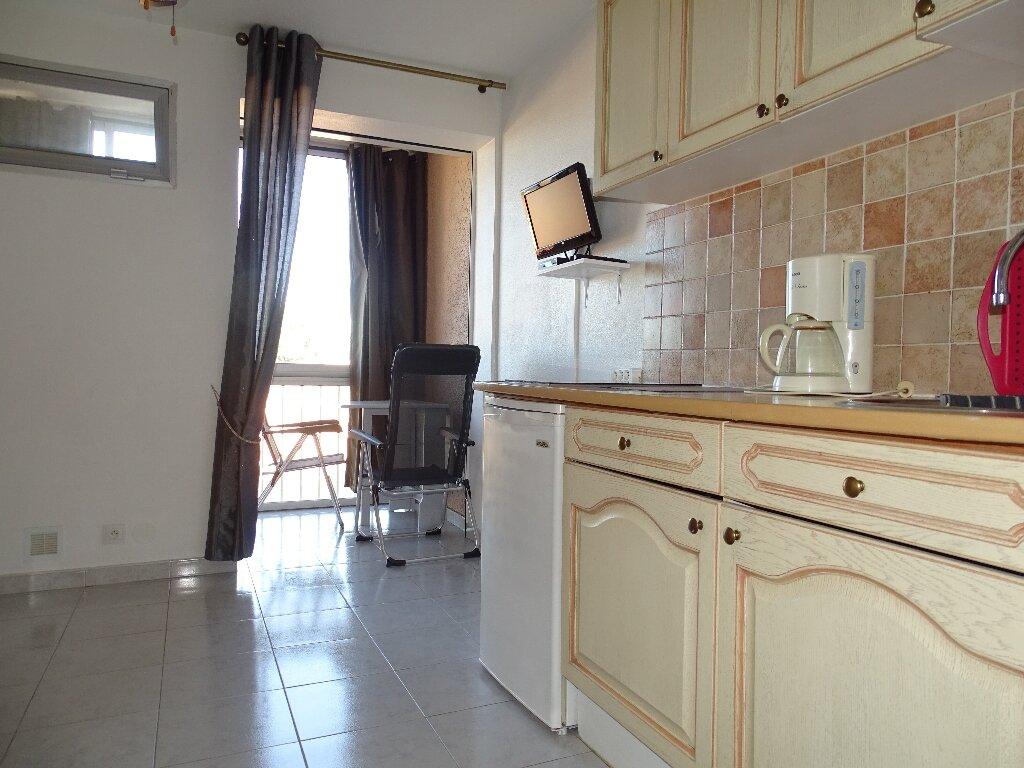 Maison à louer 1 16m2 à Canet-en-Roussillon vignette-1