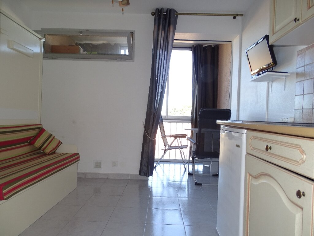 Maison à louer 1 16m2 à Canet-en-Roussillon vignette-2