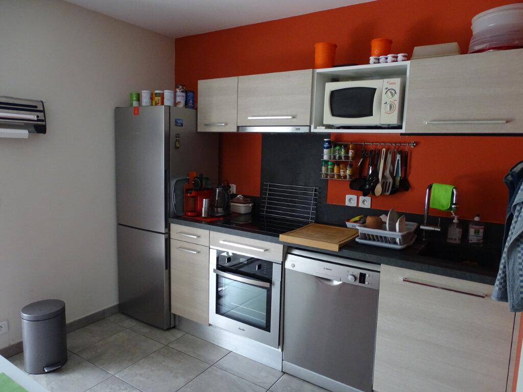 Appartement à vendre 4 76m2 à Sainte-Marie vignette-3