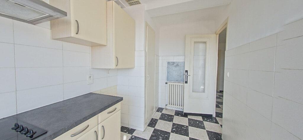 Appartement à louer 2 42m2 à Perpignan vignette-1