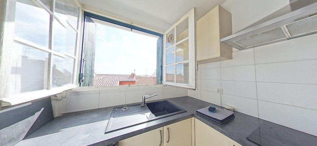 Appartement à louer 2 42m2 à Perpignan vignette-2