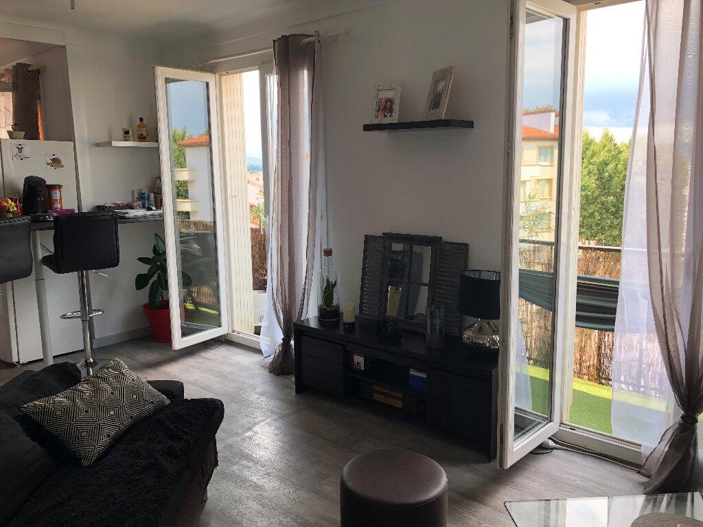 Appartement à louer 3 71m2 à Perpignan vignette-2