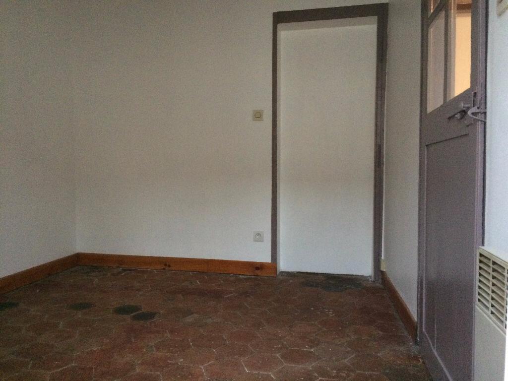 Maison à louer 2 30m2 à Mamers vignette-3