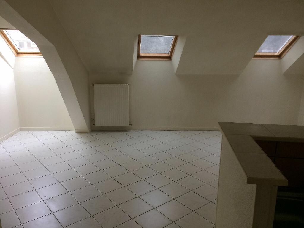 Appartement à louer 4 65m2 à Mamers vignette-1