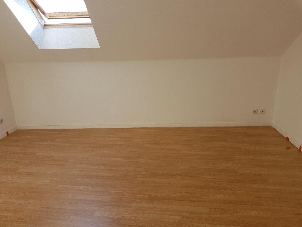 Appartement à louer 4 65m2 à Mamers vignette-5