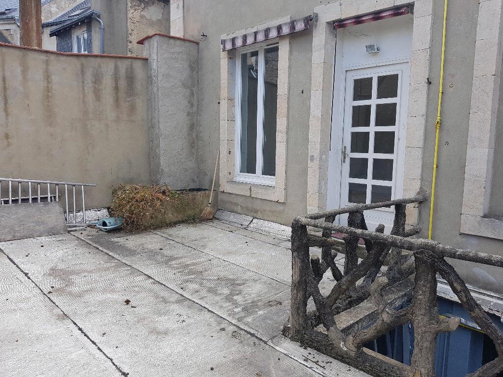 Appartement à louer 3 60m2 à Mamers vignette-1
