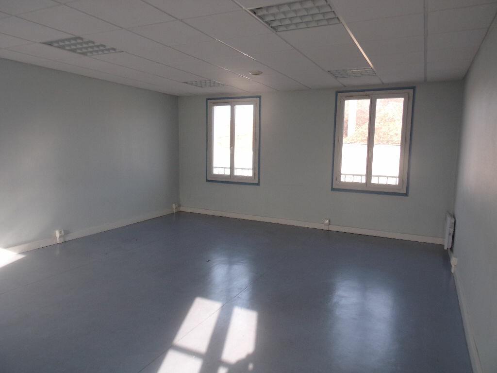 Maison à vendre 4 116m2 à Saint-Cosme-en-Vairais vignette-2