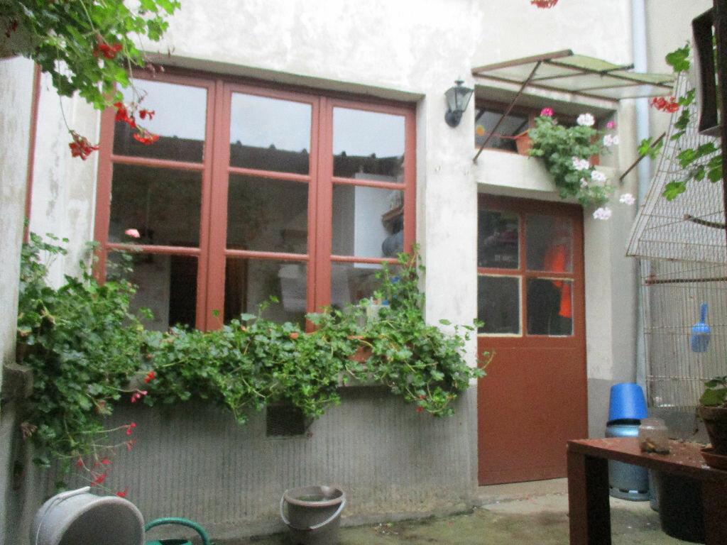 Maison à vendre 9 139m2 à Mézières-sur-Ponthouin vignette-4