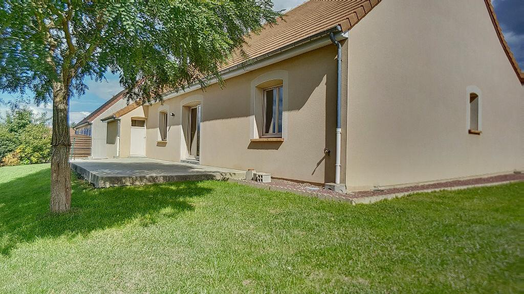 Maison à louer 3 95m2 à Mamers vignette-4