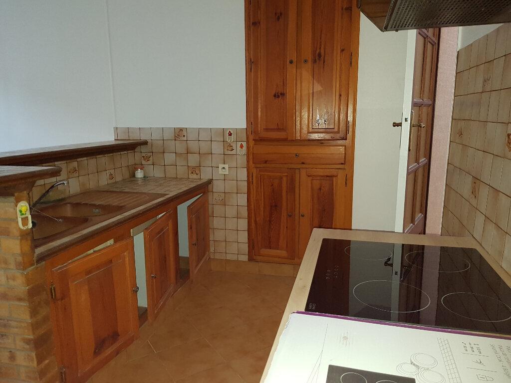 Maison à louer 4 70m2 à Mamers vignette-2