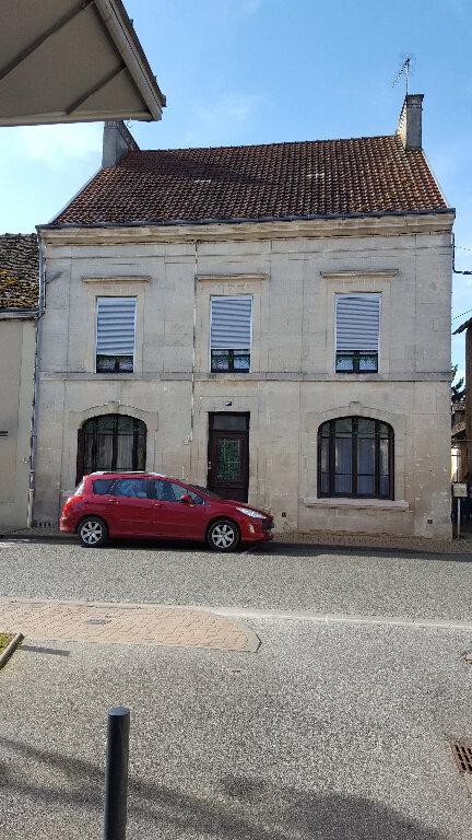 Maison à vendre 6 152m2 à Saint-Cosme-en-Vairais vignette-1