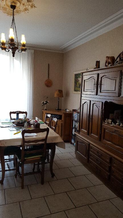 Maison à vendre 6 152m2 à Saint-Cosme-en-Vairais vignette-4