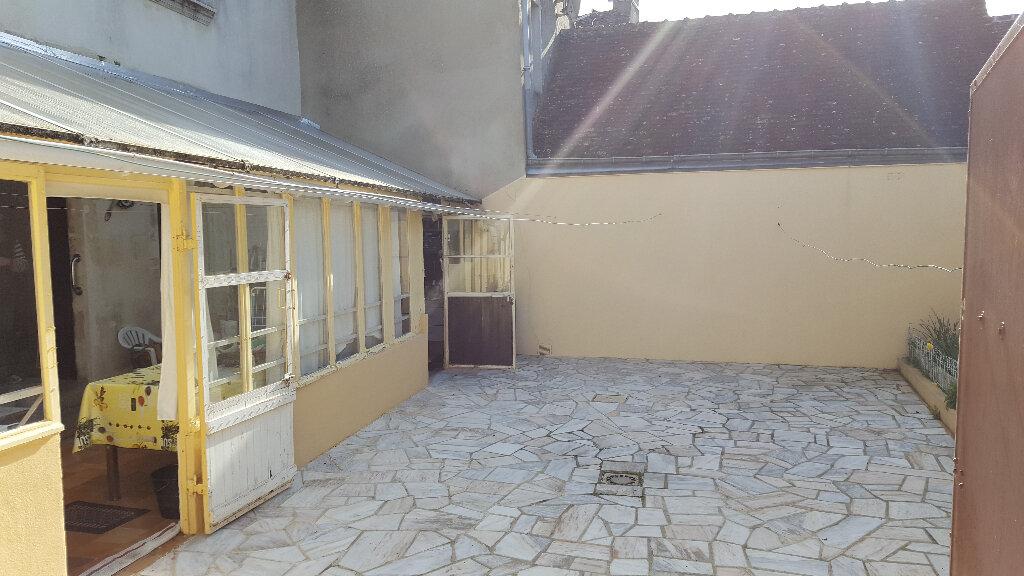 Maison à vendre 6 152m2 à Saint-Cosme-en-Vairais vignette-10