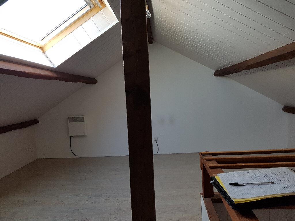 Maison à louer 5 74m2 à Saint-Cosme-en-Vairais vignette-6
