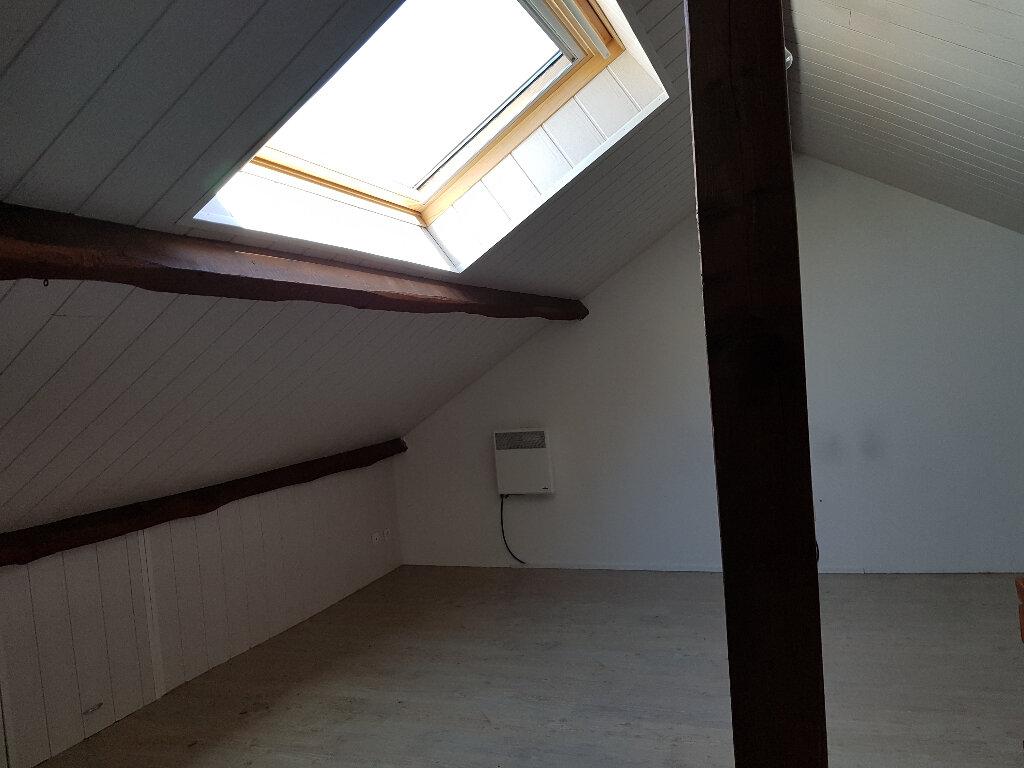 Maison à louer 5 74m2 à Saint-Cosme-en-Vairais vignette-8