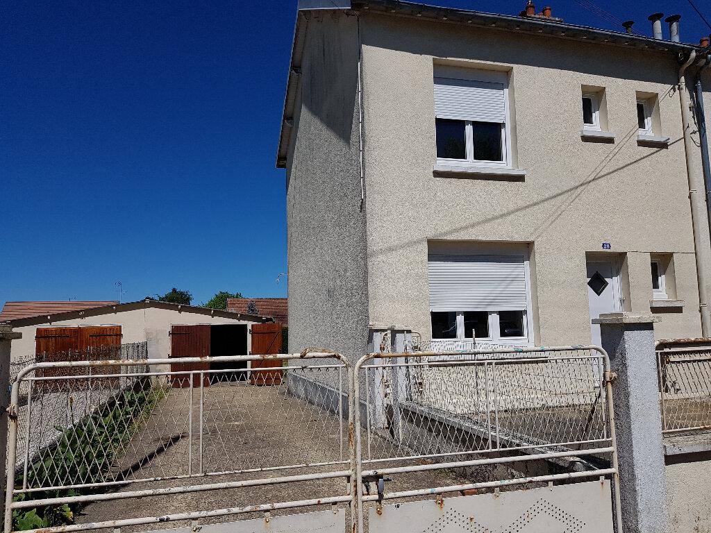 Maison à louer 5 74m2 à Saint-Cosme-en-Vairais vignette-16
