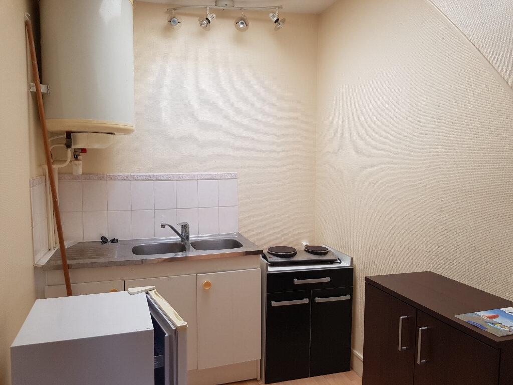 Appartement à louer 2 31m2 à Mamers vignette-1