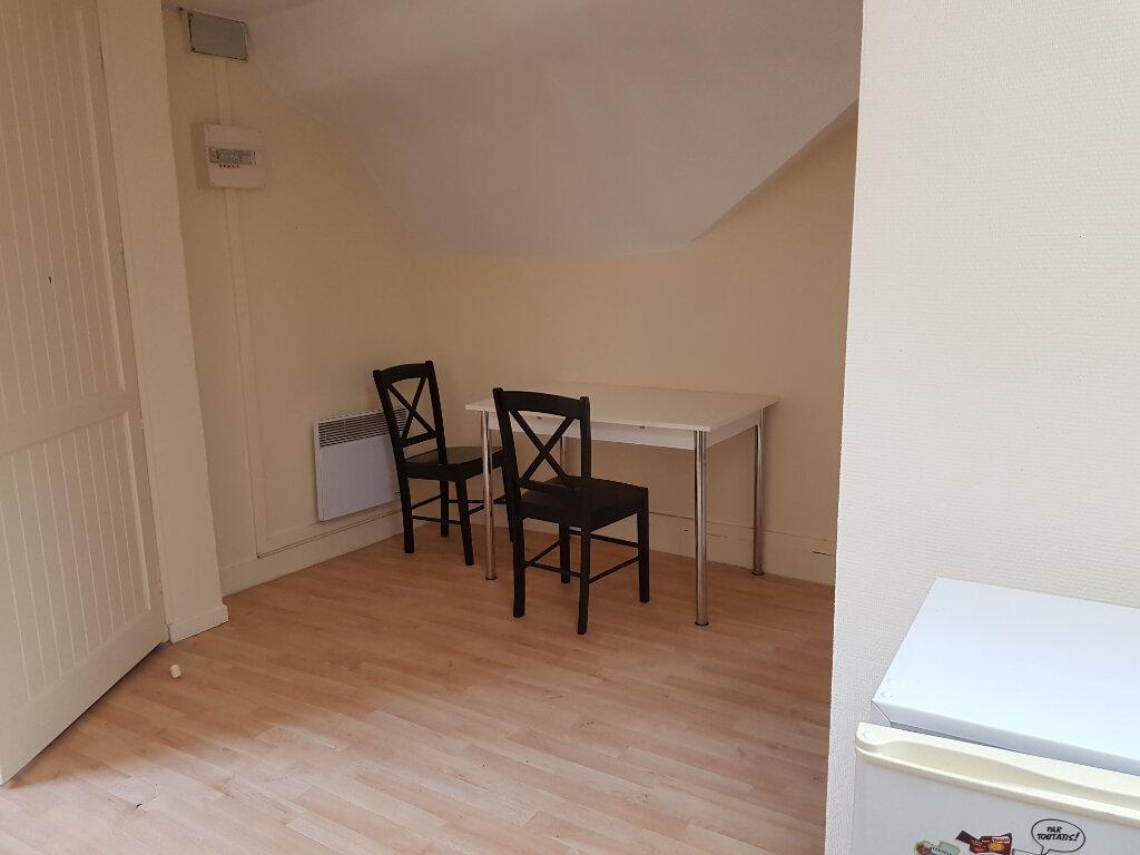 Appartement à louer 2 31m2 à Mamers vignette-2
