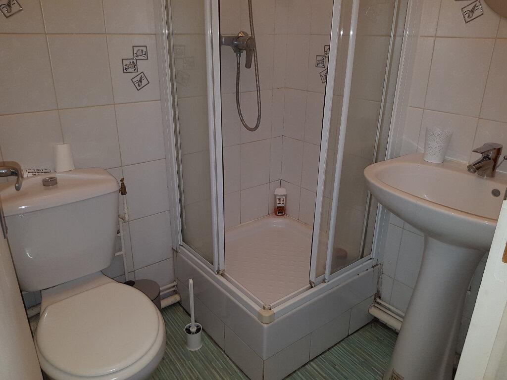 Appartement à louer 1 12.82m2 à Mamers vignette-3