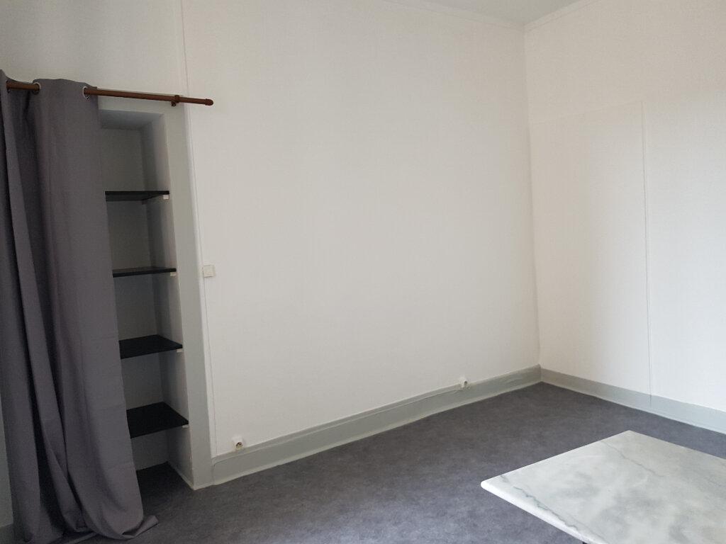 Appartement à louer 1 20m2 à Mamers vignette-1