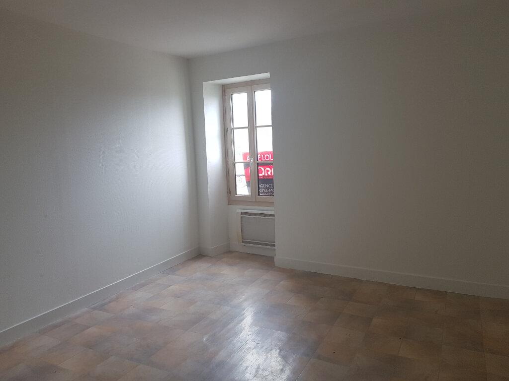 Appartement à louer 3 51m2 à Mamers vignette-1