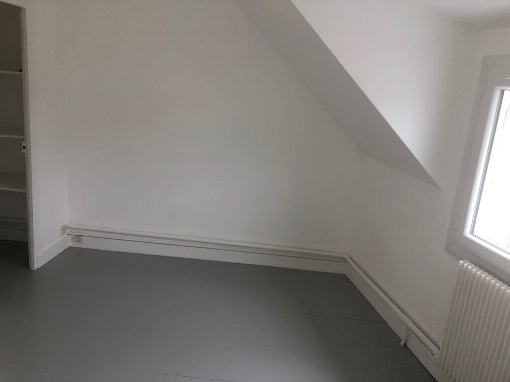 Maison à louer 3 58m2 à Mamers vignette-5