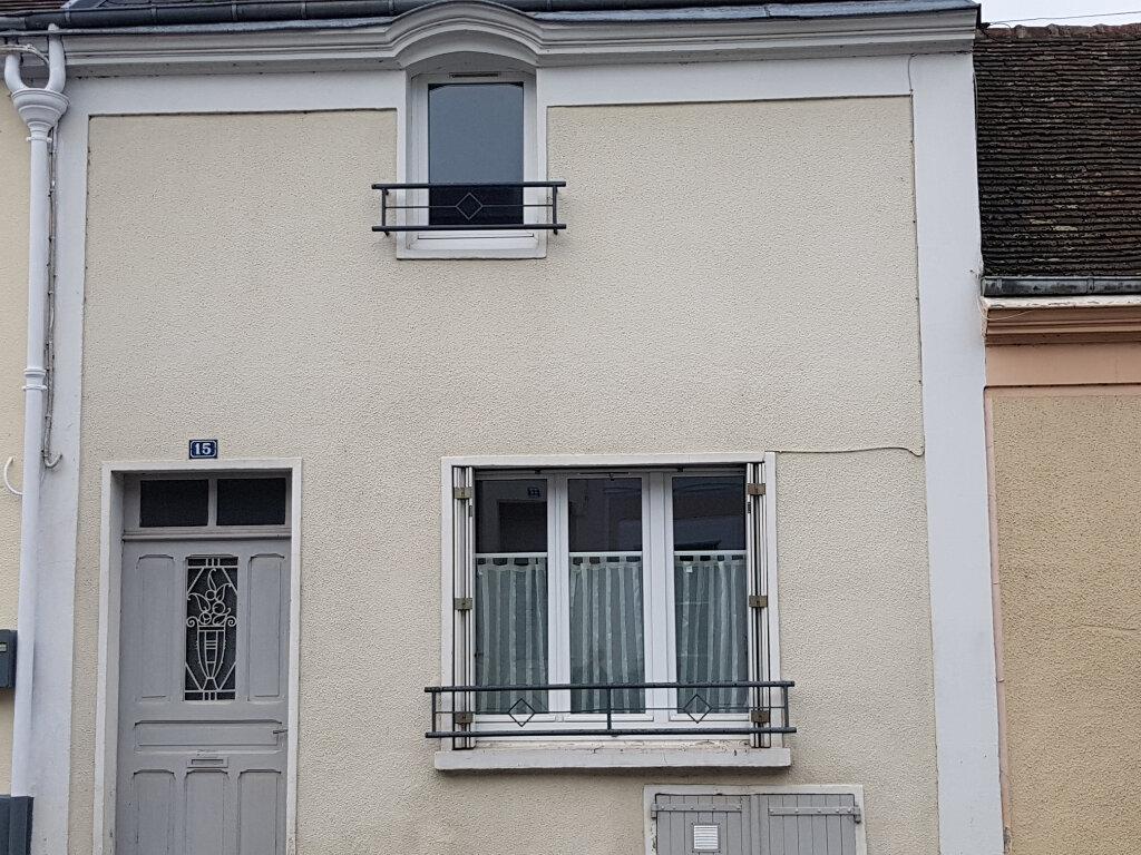 Maison à louer 3 70m2 à Mamers vignette-4