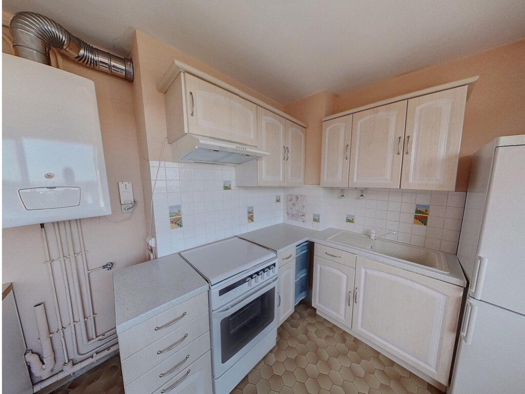 Appartement à vendre 3 65m2 à Mamers vignette-2