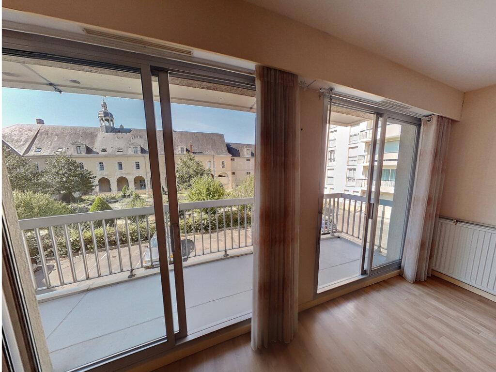 Appartement à vendre 3 65m2 à Mamers vignette-3